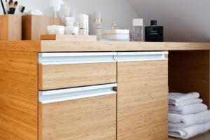 Odpowiednio stonowany odcień drewna sprawi że każde pomieszczenie będzie wydawało się umeblowane przez profesjonalistę