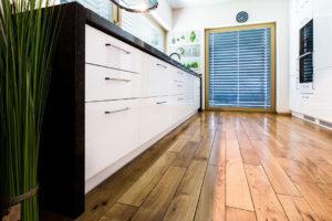Mnogość szuflad z pewnością ułatwi pomieszczenie wszystkich użytecznych gadżetów kuchennych